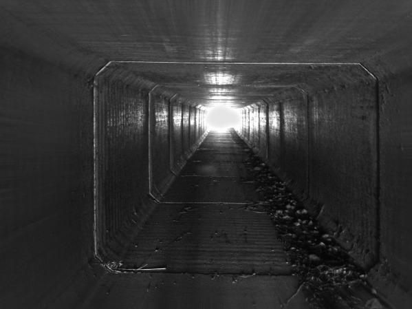 tunnel-1728126_1920.jpg