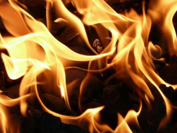 fire-8837_1920